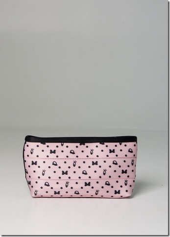 large_makeup_case_blushing_minnie_product__41998.1421784530.500.659