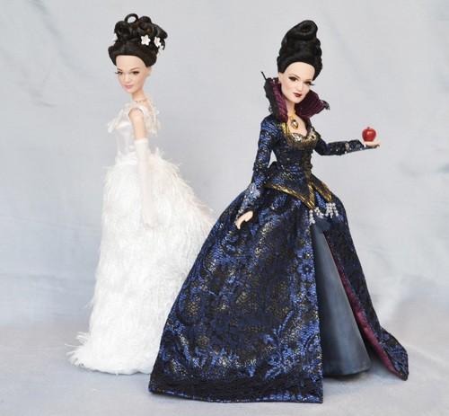 OUAT+D23+Queen+Snow2