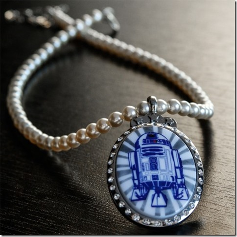 hun_r2d2_pearlnecklace