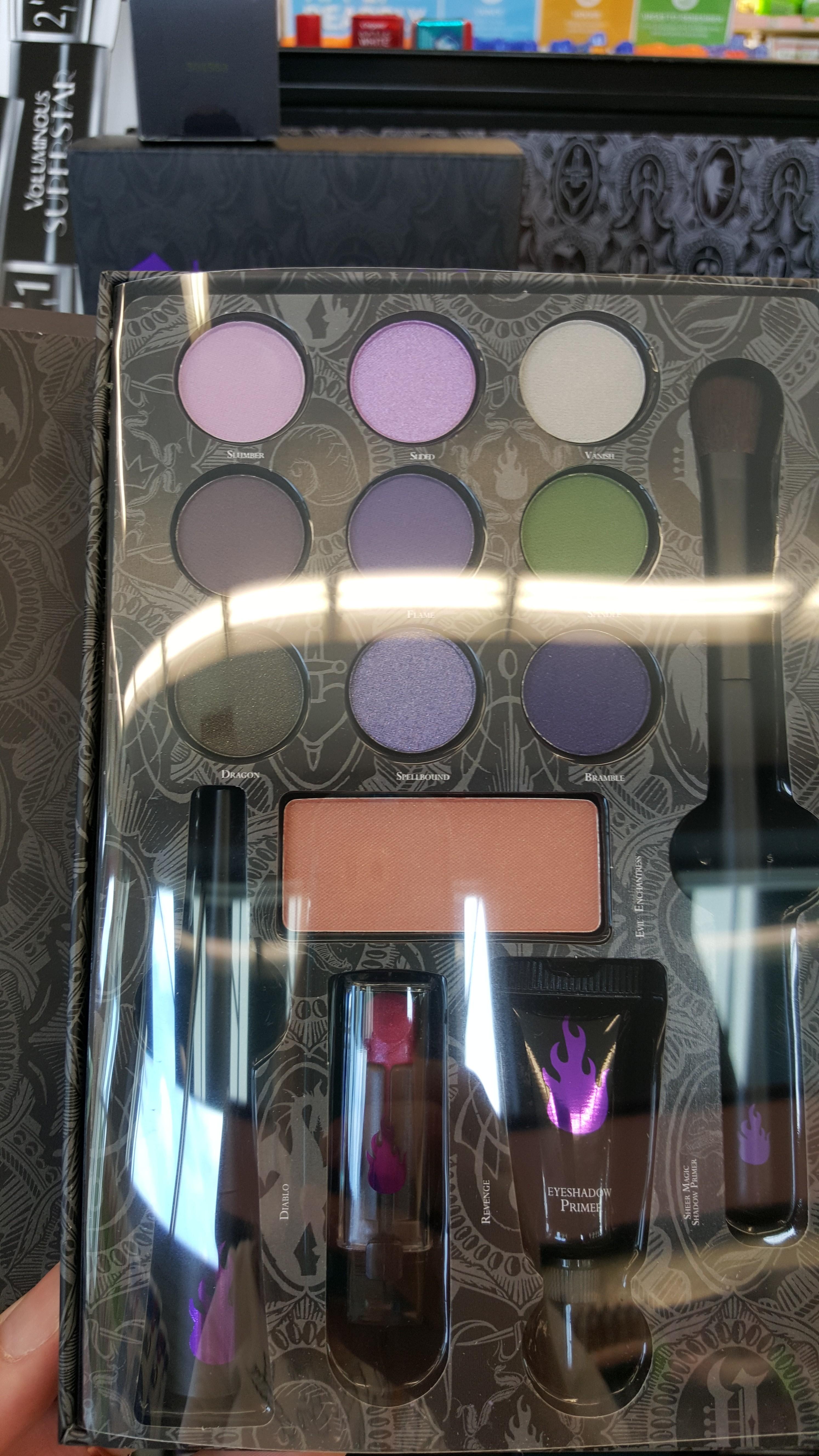 ... disney evil queen makeup kityour wdw disney villians makeup kit the evil queen · makeup train case with lightirror ...