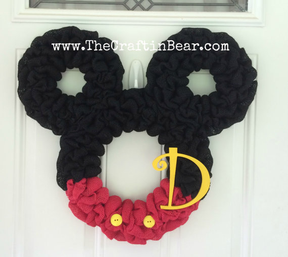 Affordable mickey and minnie mouse wreaths for your front door for Decoration maison mickey