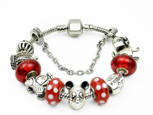 2015-12-20 10_42_41-Amazon.com_ Christmas Gifts for Women Like Mickey Mouse Beaded Charm Bracelet Be