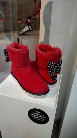 MInnie Mouse Uggs