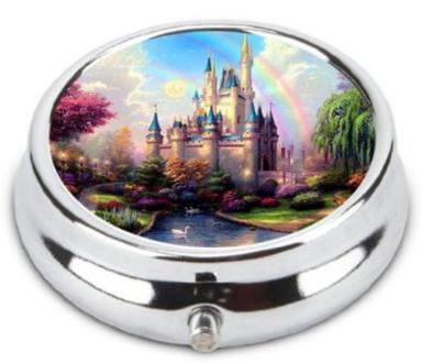 2016-03-21 01_57_07-Amazon.com - OceanArt Custom Disney Castle Unique Silver Tone Round Pill Box Med