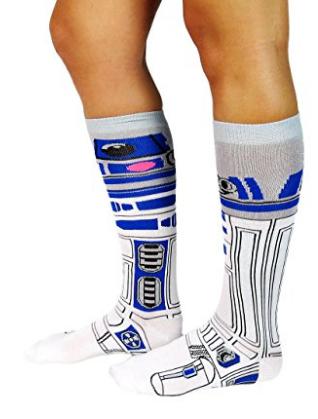 2016-10-15-02_43_26-amazon-com_-disney-star-wars-womens-knee-high-socks-2-pair-pack-os-9-11-white_bl