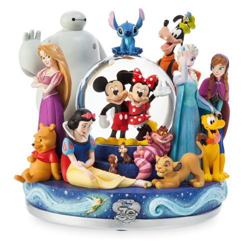 Take a sneak peak at the disney store limited edition 30th for Disney weihnachtskugeln